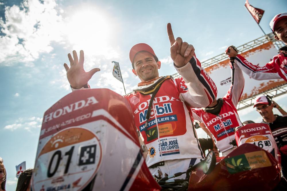 Jean Azevedo conquista o hexacampeonato no Rally dos Sertões - foto: Marcelo Machado/Foto Arena/