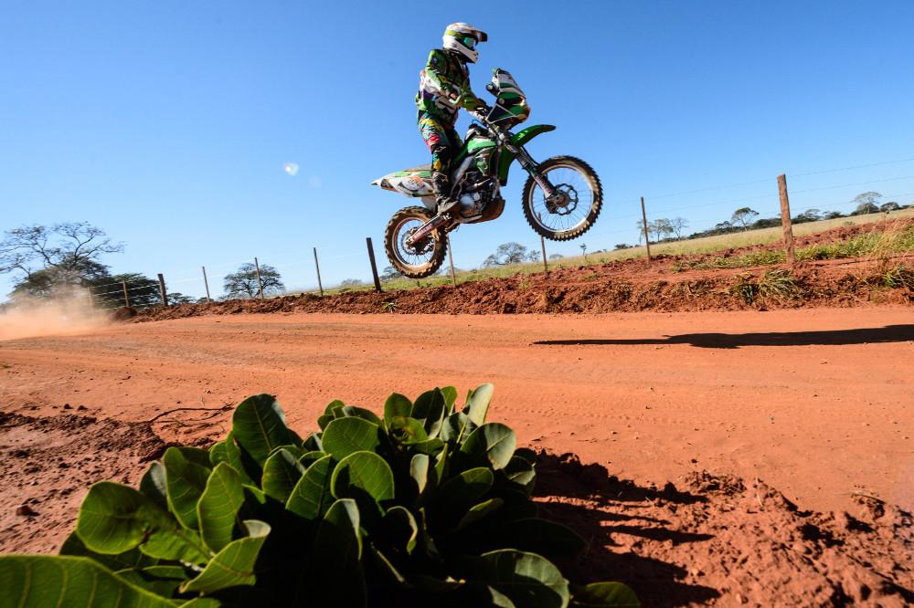 Com a vitória de hoje, Sacilotti está a apenas xx do líder Jean Azevedo - foto: Marcelo Maragni/Foto Arena