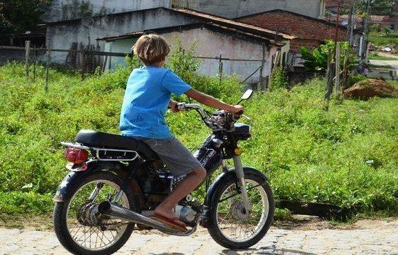 Menores pilotando cinquentinhas serão apreendidos