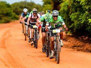 Além de motos, carros e UTVs, rali também é famoso por integrar bikes