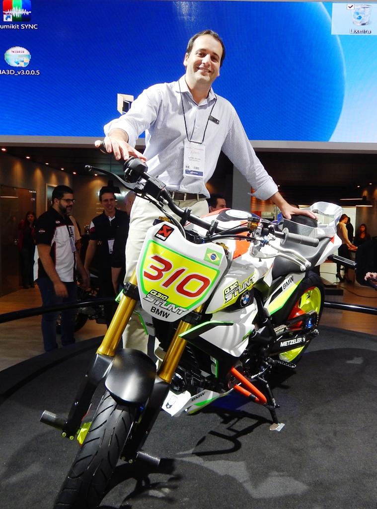 Villano e a G 310: Premium é a experiência do consumidor com sua moto, sem relação com o tamanho ou o preço dela