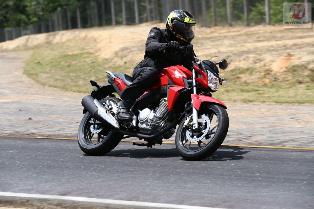 Honda-CB-Twister-2