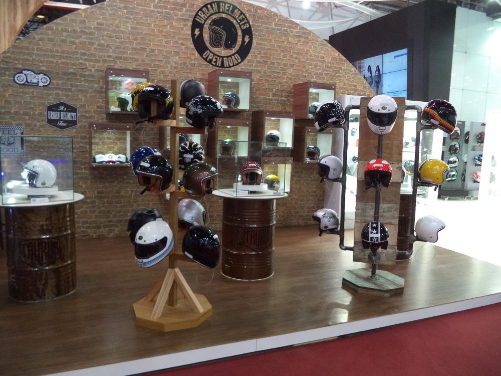 Peças, acessórios e equipamentos de segurança são destaque no Salão Duas Rodas 2015 - Foto: Mário Figueredo