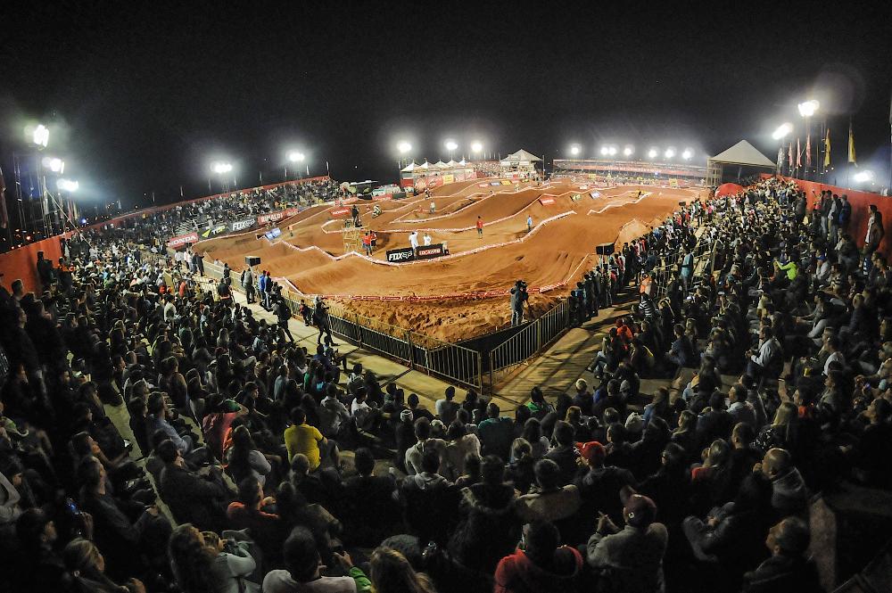Super Final do Arena Cross 2015 será em Ilhabela dia 05 de dezembro - foto: Duda Bairros