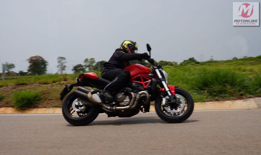 Ducati-821-39
