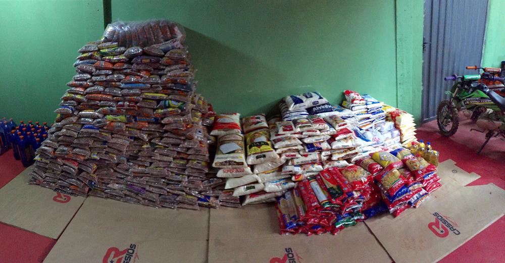 Alimentos arrecadados na última etapa da Copa Minas Gerais de Motocross - divulgação