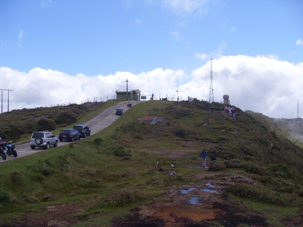 Morro da Igreja, acesso à Pedra Furada, nas Serras Catarinenses - foto: Mário Figueredo