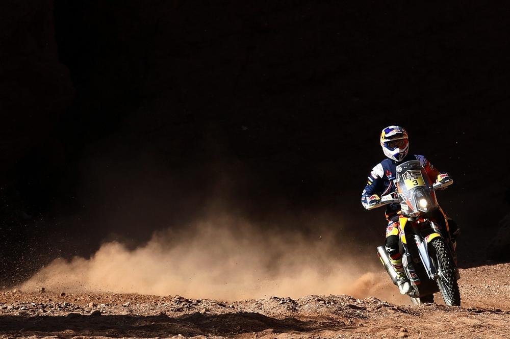 Moto de Gonçalves (Honda) quebra e Price (KTM) abre foto: Felipe Trueba/EPA
