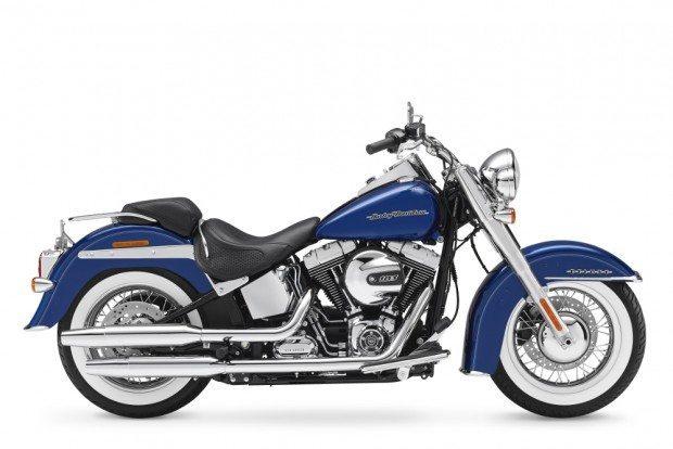 Extremamente clássica, a Softail Deluxe é mais um dos modelos oferecidos pela Harley com condições especiais durante o mês de julho