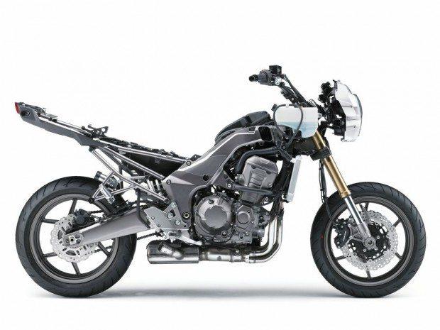 O chassi de uma motocicleta atual difere bastante dos utilizados pelos primeiros fabricantes de motocicletas. Essas estruturas recebem materiais e desenhos exóticos para realizarem a sua função de manter a moto coesa e se locomovendo de forma precisa e previsível