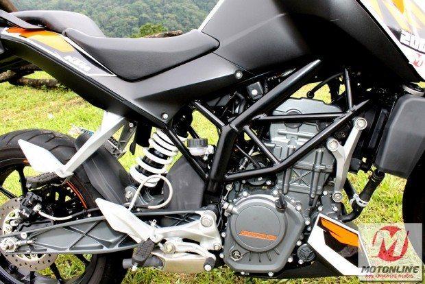 Chassi em treliça dá um ar de moto maior e garante estabilidade