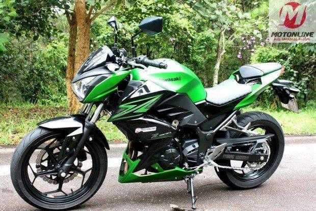 Kawasaki_Z300_lateral_04