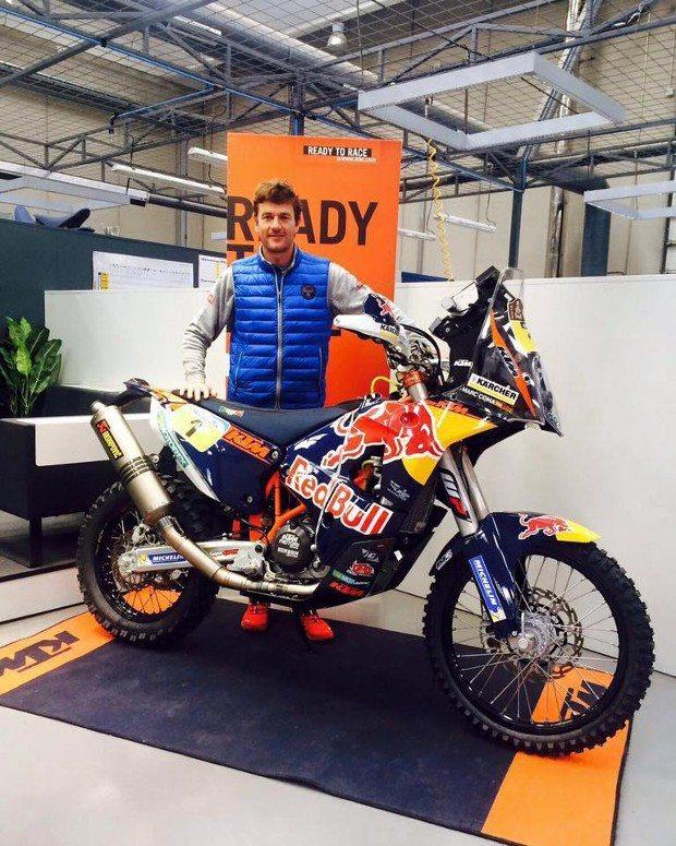 Marc Coma ganha da KTM a moto do seu último Dakar em 2015 - divulgação