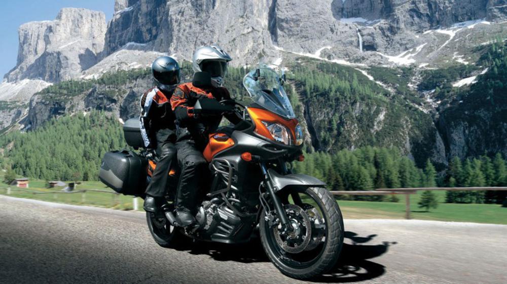 Quando a situação estiver tensa, leve sua parceira para um logo passeio de moto