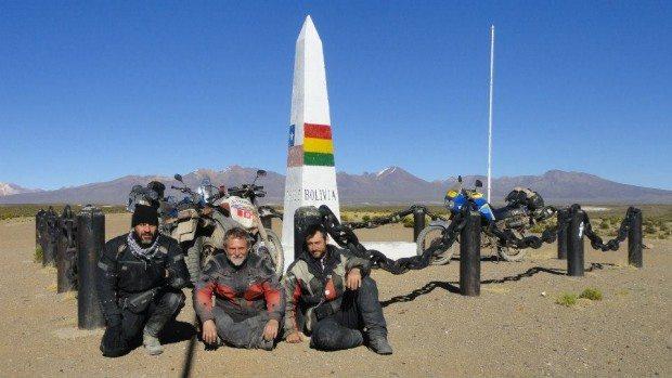 O marco Tripartito, que inspirou a aventura e deu nome à expedição