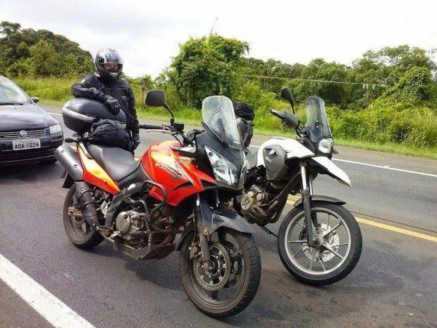 Uma V-Strom 650 e uma BMW foram usadas na viagem