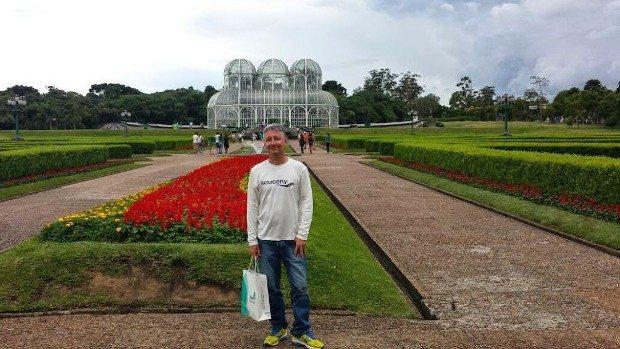 Atacando de turista no Jardim Botânico, cartão postal da Capital Paranaense