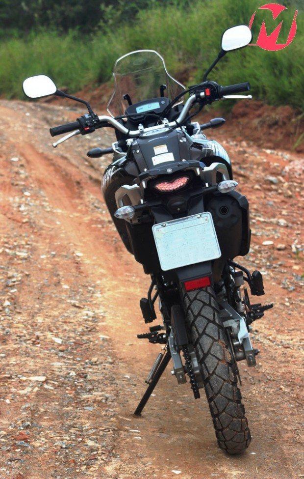 """Novo conjunto óptico traseiro deu nova """"cara"""" para a moto"""