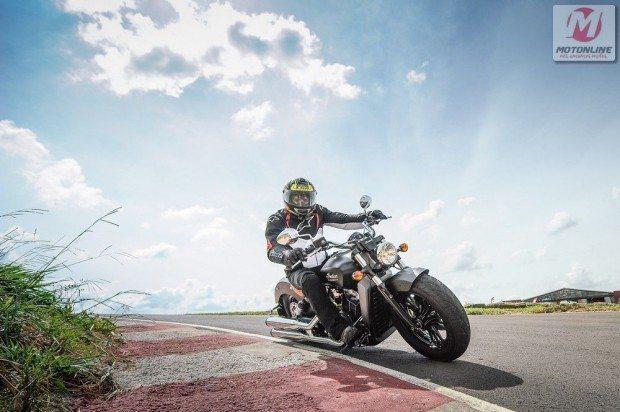 Estilo clássico em performance atual, resultado de toda tecnologia investida na moto