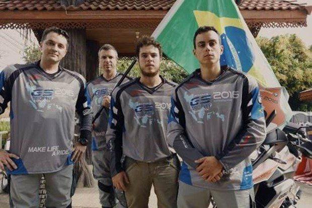 Equipe brasileira no BMW Motorrad GS Trophy International 2016 – (da esq. para dir.) Fernando Deneka, Sandro Ceratti, Lucas Paschoalin (jornalista) e Felipe Limonta