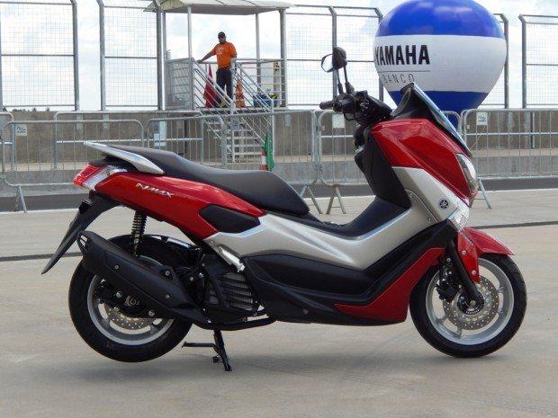 Perfil lembra um scooter maior, remetendo aos grandes Burgman, da Suzuki