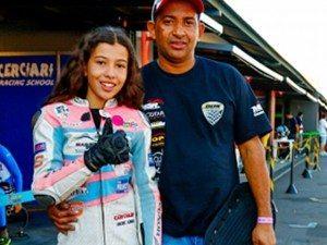 Maria Fernanda (MaFe) e o pai Haroldo, durante a prova que disputaram juntos, em Interlagos