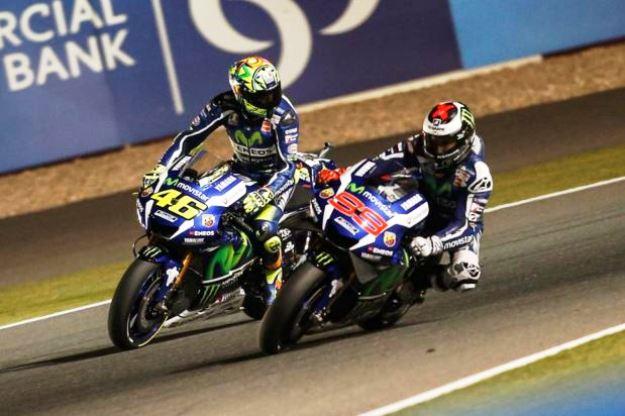 O espanhol supera Valentino e lidera o campenato