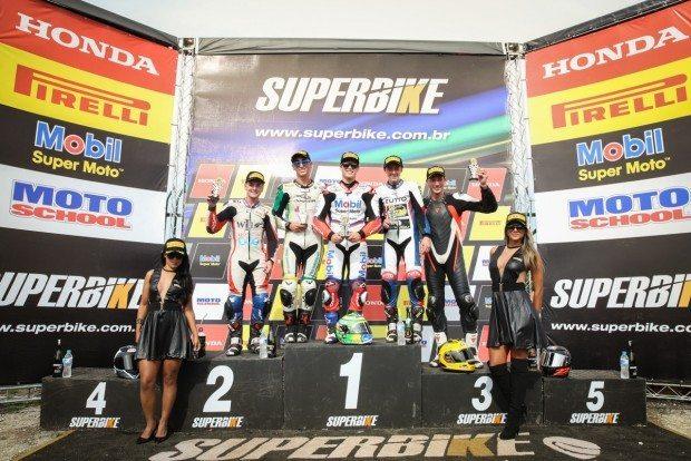 Eric Granado, que disputa a Moto 2 europeia, venceu em sua estreia na SuperSport