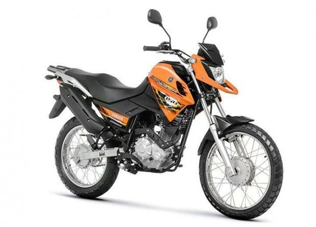A Yamaha segue o mau exemplo e a Crosser 125, recém lançada, também não abre mão do freio dianteiro a tambor
