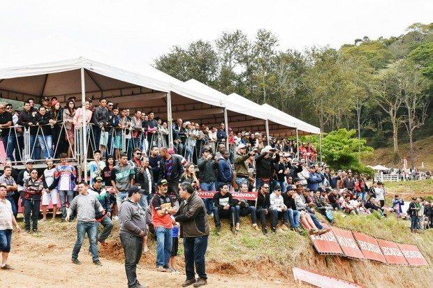 Público lotou as arquibancadas do Horto Avelar. Próxima etapa será em Minas Gerais, em julho