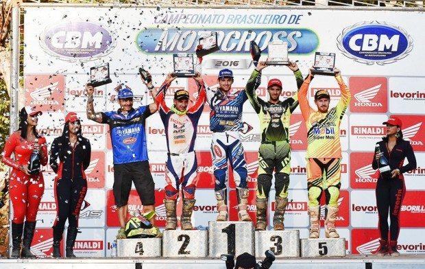 Jean Ramos, Paulo Alberto e Jetro Salazar foram os melhores na MX1