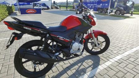 Factor 150 foi a moto escolhida para o desafio