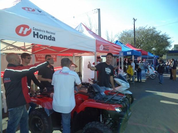 Estandes da Honda e Motorino no evento - foto: Mário Figueredo
