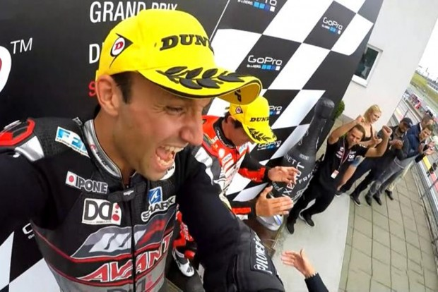 Johann Zarco comemora a vitória no GP da Alemanha