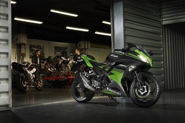 Chegou a Kawasaki Ninja 300 2017