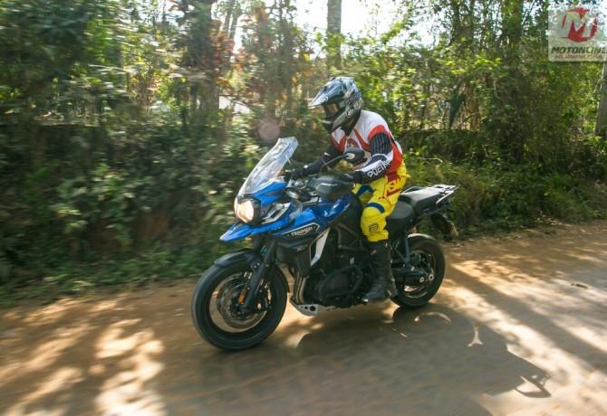 Triumph apresenta Tiger Explorer e Speed Triple R 2017