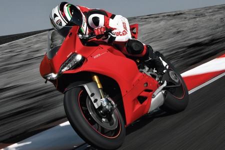"Produzida no Brasil, Ducati 1199 Panigale entrega ""humildes"" 195 cv"