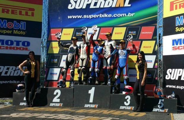 Guilherme Brito venceu a disputa acirrada na CBR 500R