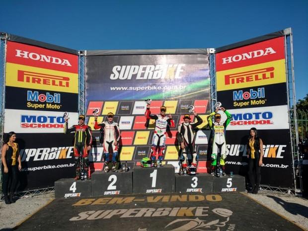 Repetindo o menu da etapa anterior, Granado venceu mais uma na SuperSport e agora é líder