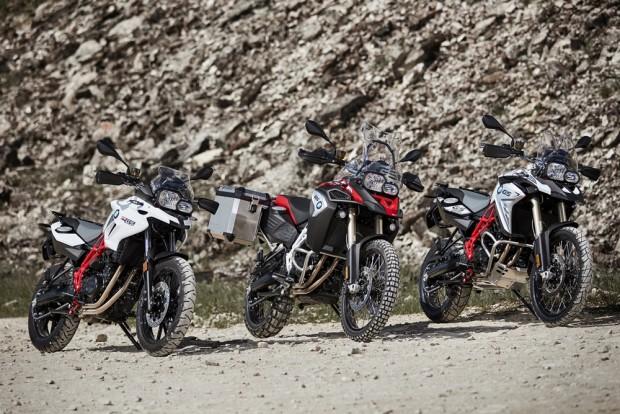 Um único motor, mesmo chassi, mesmo design em três motos bem semelhantes