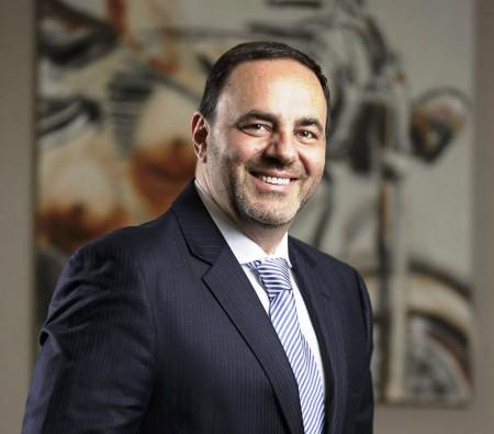 Orlando Leone sorri, otimista com o futuro do nosso mercado de peças e motocicletas