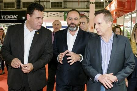 """Leone (centro) acompanha Russomano e o """"xerife""""  do consumidor: aproximação com políticos é importante"""