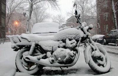 Ligar a moto no frio pode ser um problema - foto pública