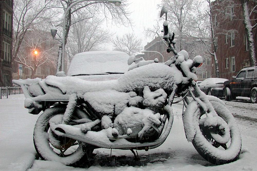 4cf815f8cbd Ligar a moto no frio pode ser um problema - foto pública