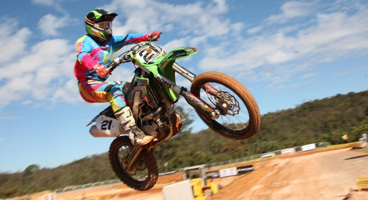 Willian Guimarães venceu em duas categorias do Paranaense de Motocross
