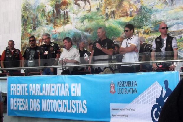 1º Parlamoto: ênfase na moto como solução aos problemas de transporte nas grandes cidades