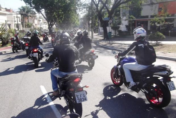 Uma grande movimentação de motociclistas e grupos militares que utilizam motocicletas percorreu as ruas de São Paulo para alertar para o movimento