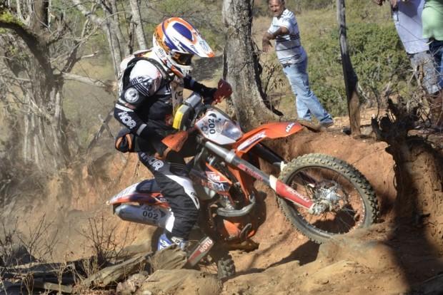 Trilhas com grandes pedras complicaram a vida dos competidores - foto: Leo Tavares