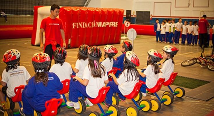 A Fundación Mapfre leva educação de trânsito a crianças de escolas públicas