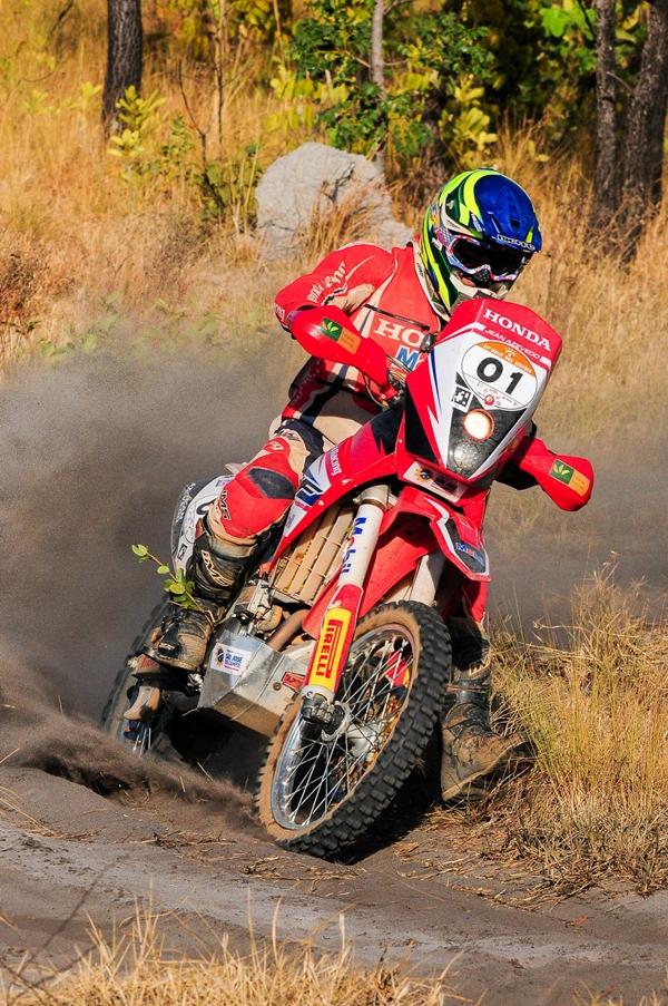 Jean Azevedo venceu 4 das 7 etapas mas um incidente no terceiro dia o tirou da prova - foto: Doni Castilho